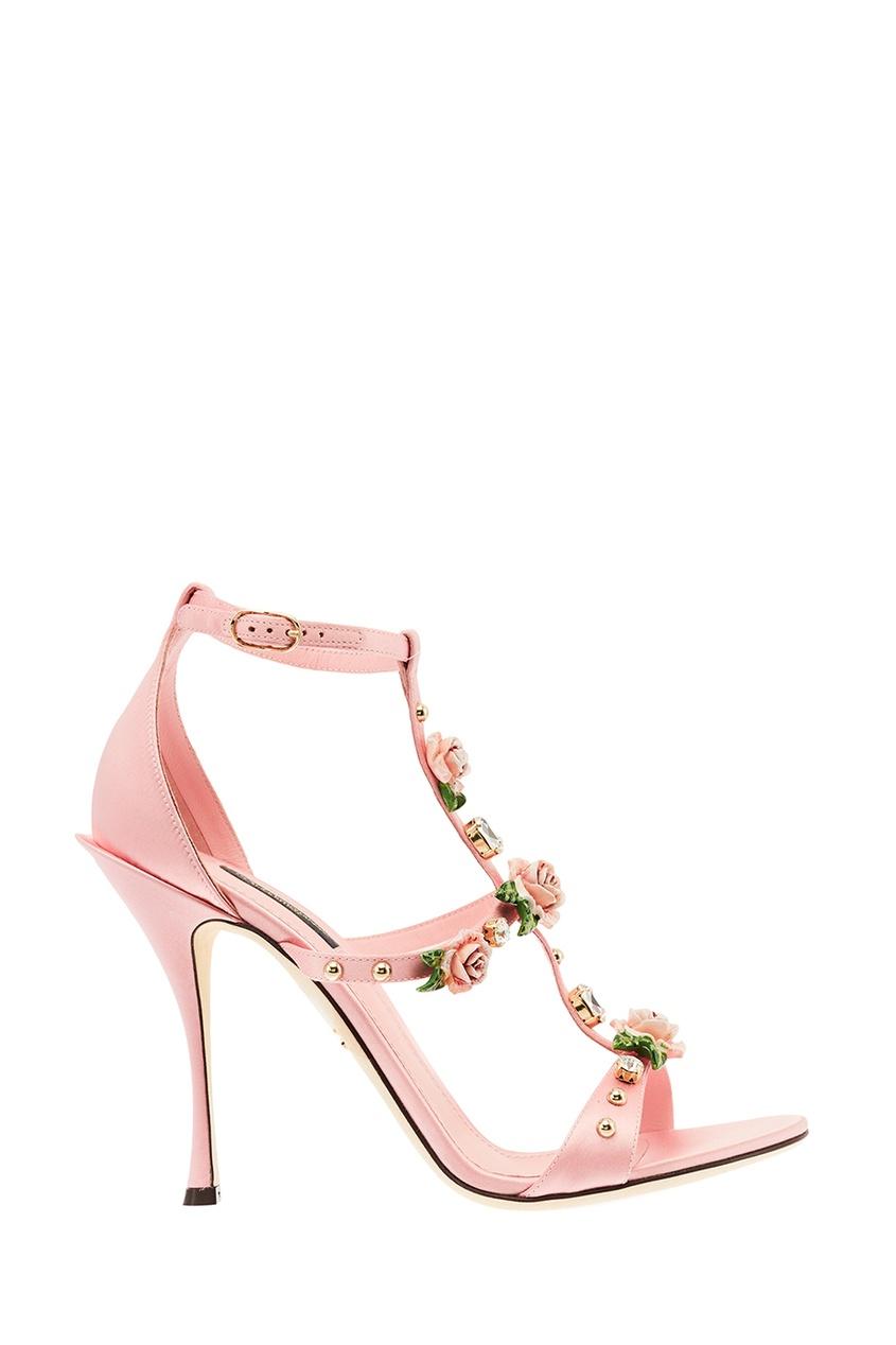Розовые босоножки с объемными розами