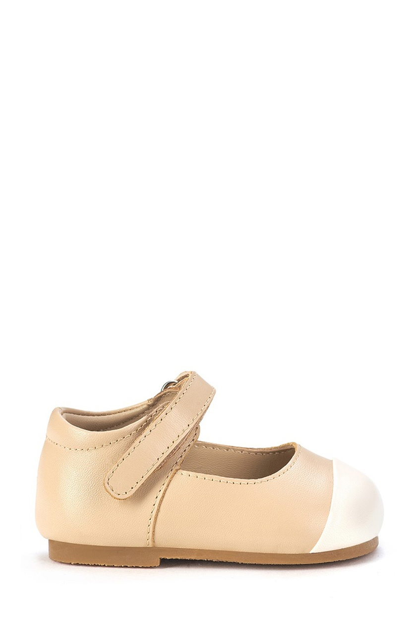 Кожаные туфли с белой вставкой