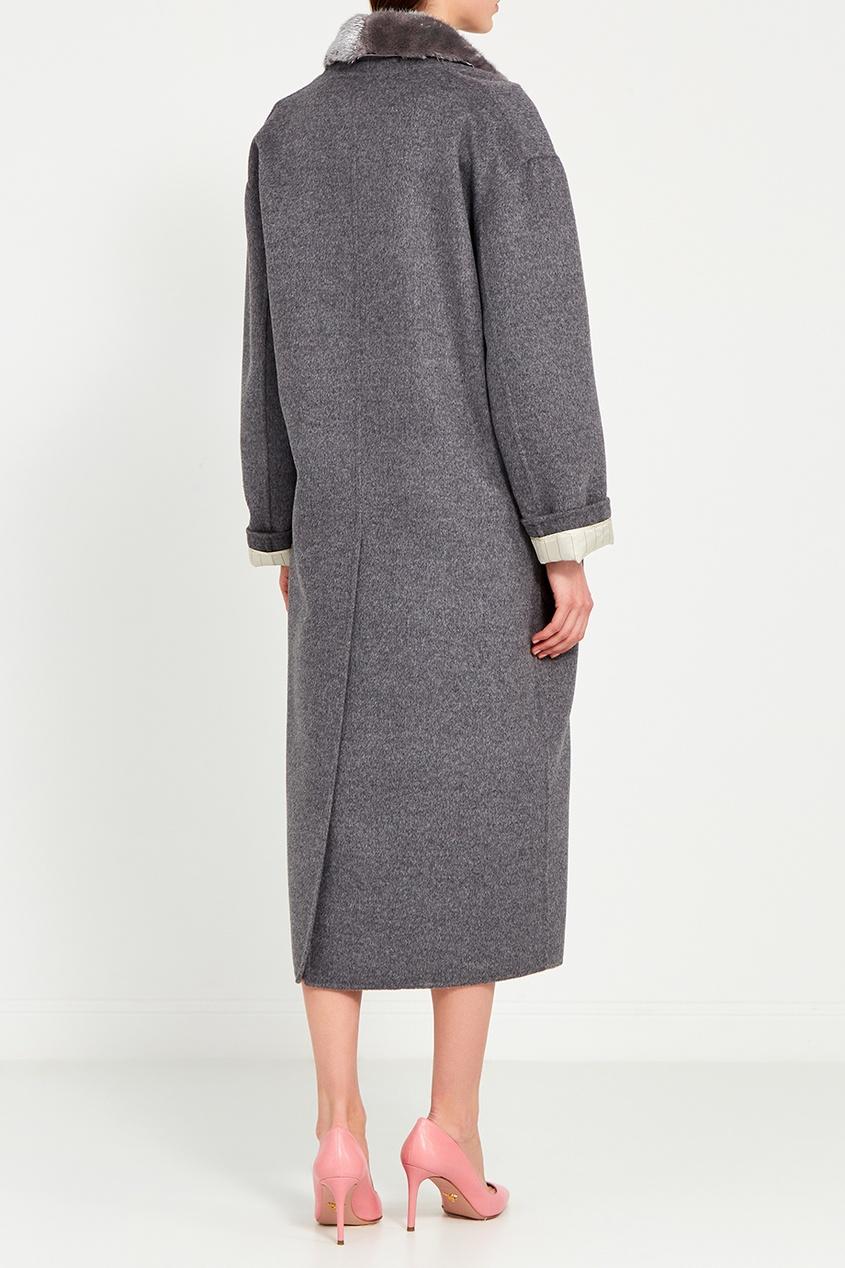 Prada Серое двубортное пальто с меховым воротником prada шерстяное пальто
