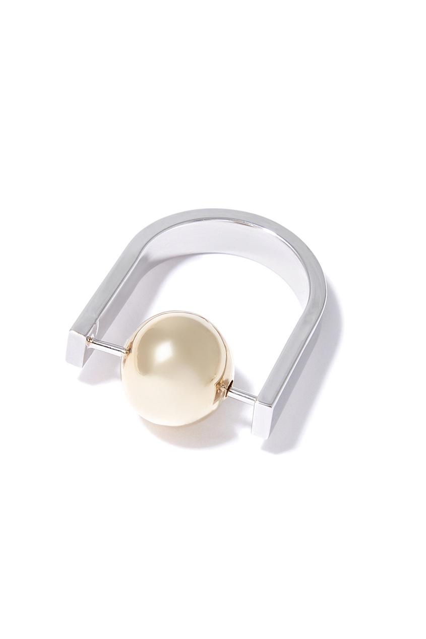 Серебристое кольцо с шаром