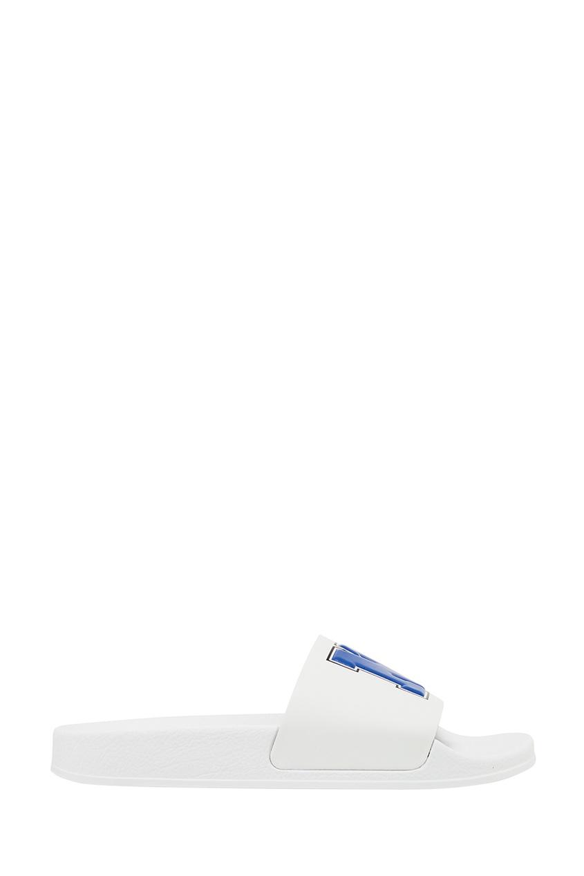 Белые сандалии с буквами