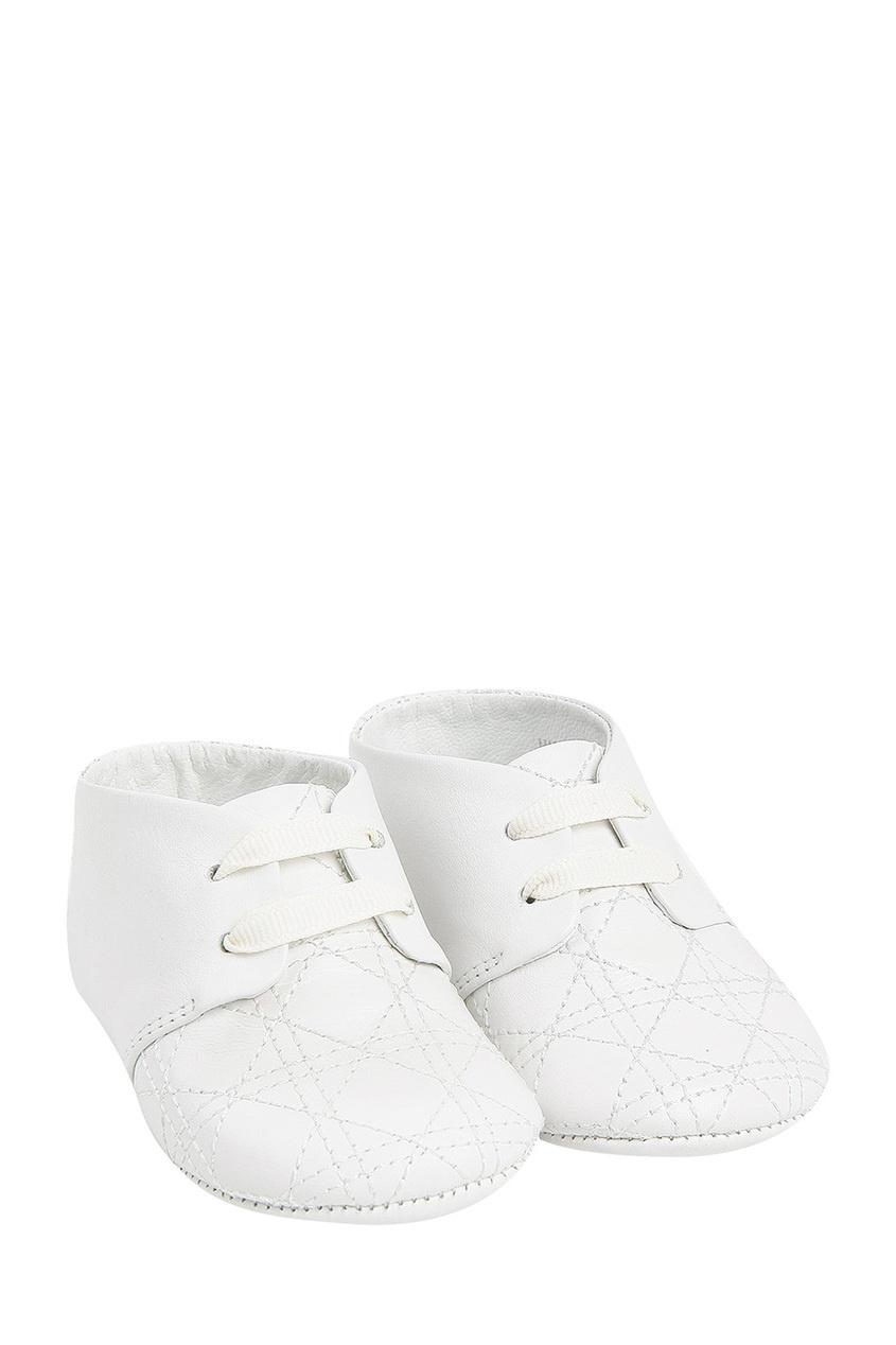 Белые кожаные пинетки от Dior Kids