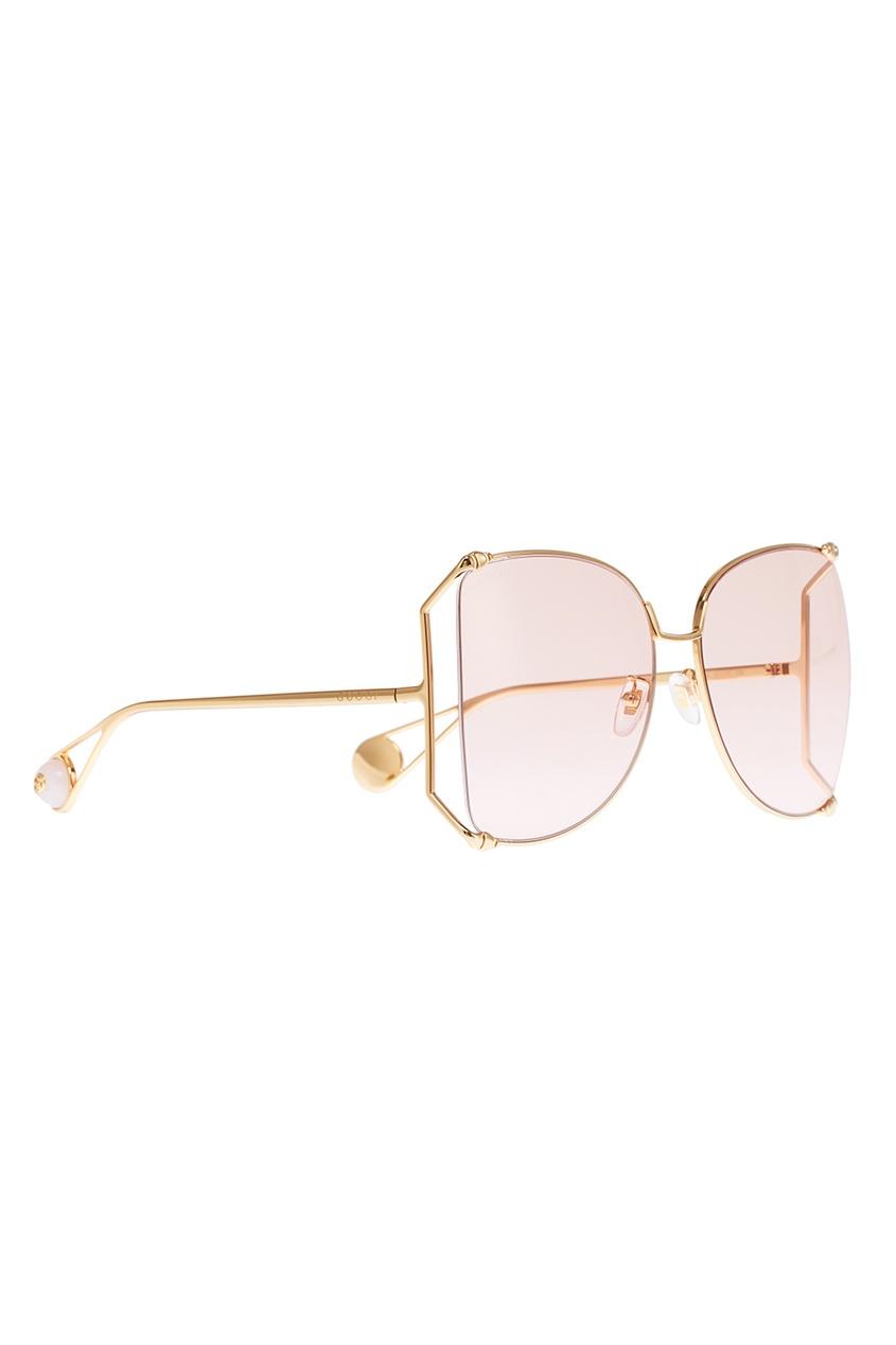 Светло-розовые солнцезащитные очки