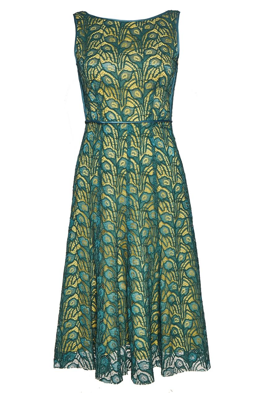 Платье из зеленого кружева