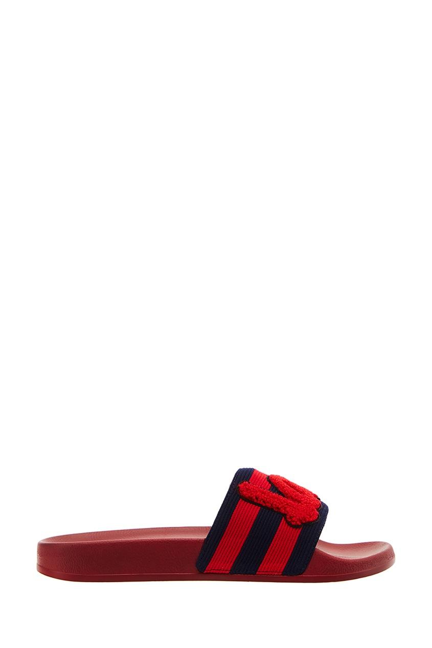 Красные сандалии с аппликацией