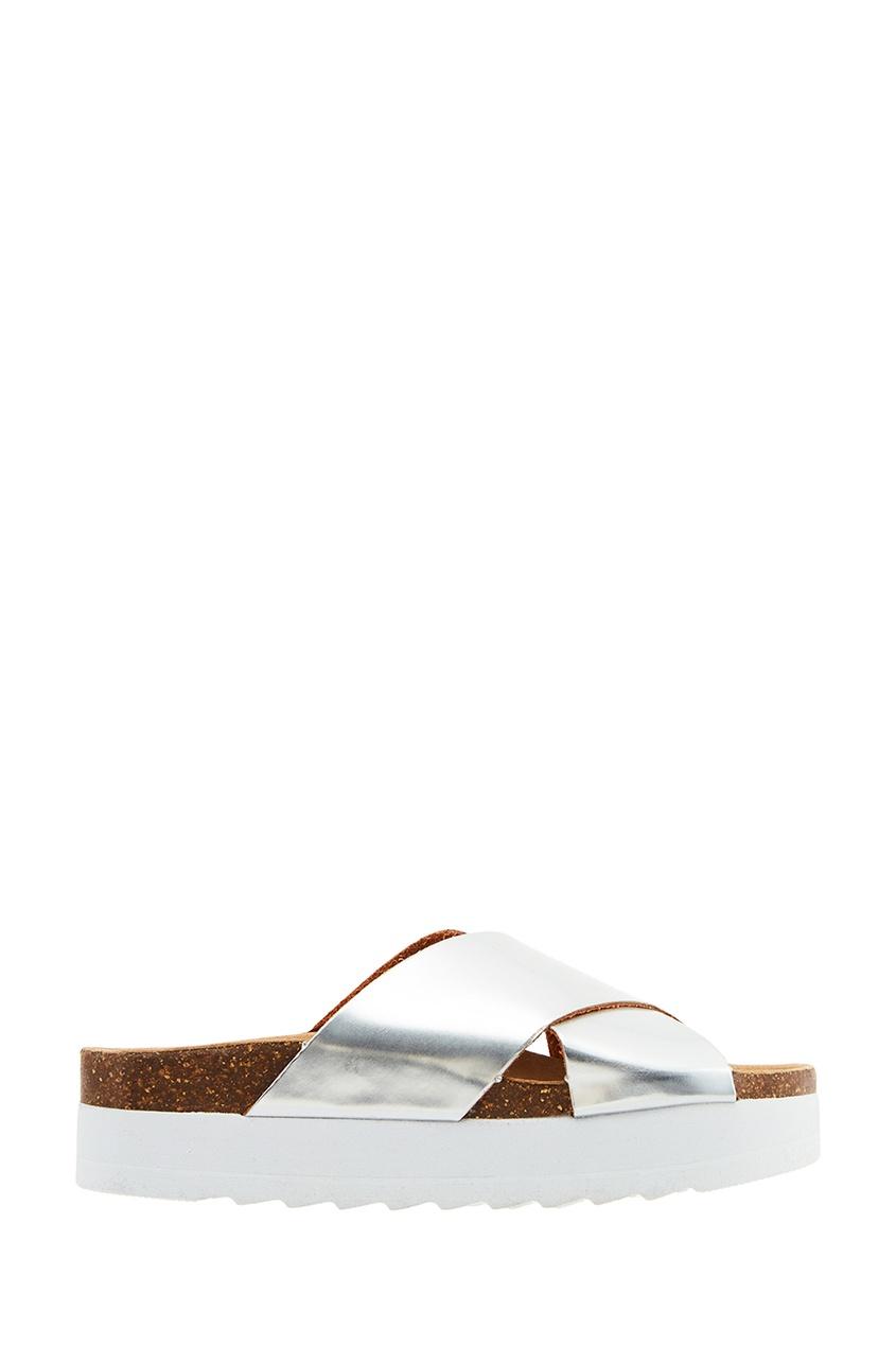 Серебристые ламинированные сандалии