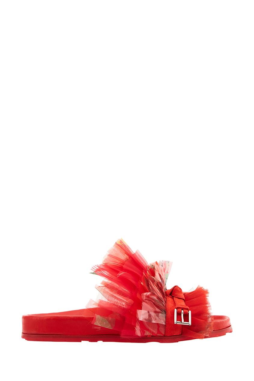 Красные сандалии с сеткой от Alexander McQueen