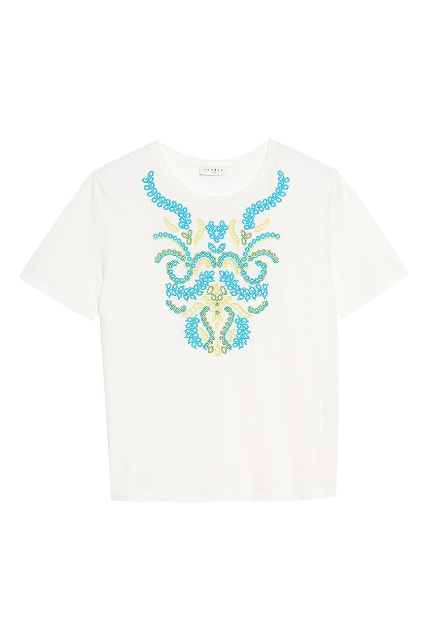 Sandro Белая футболка с яркой вышивкой футболка белая catimini ут 00011611