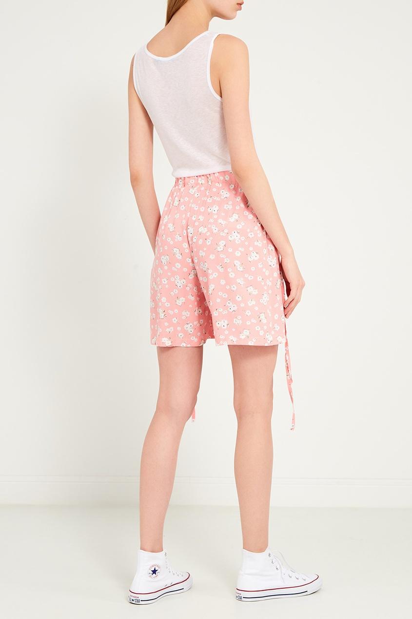 Фото 3 - Розовые шорты с цветами от BLANK.MOSCOW розового цвета