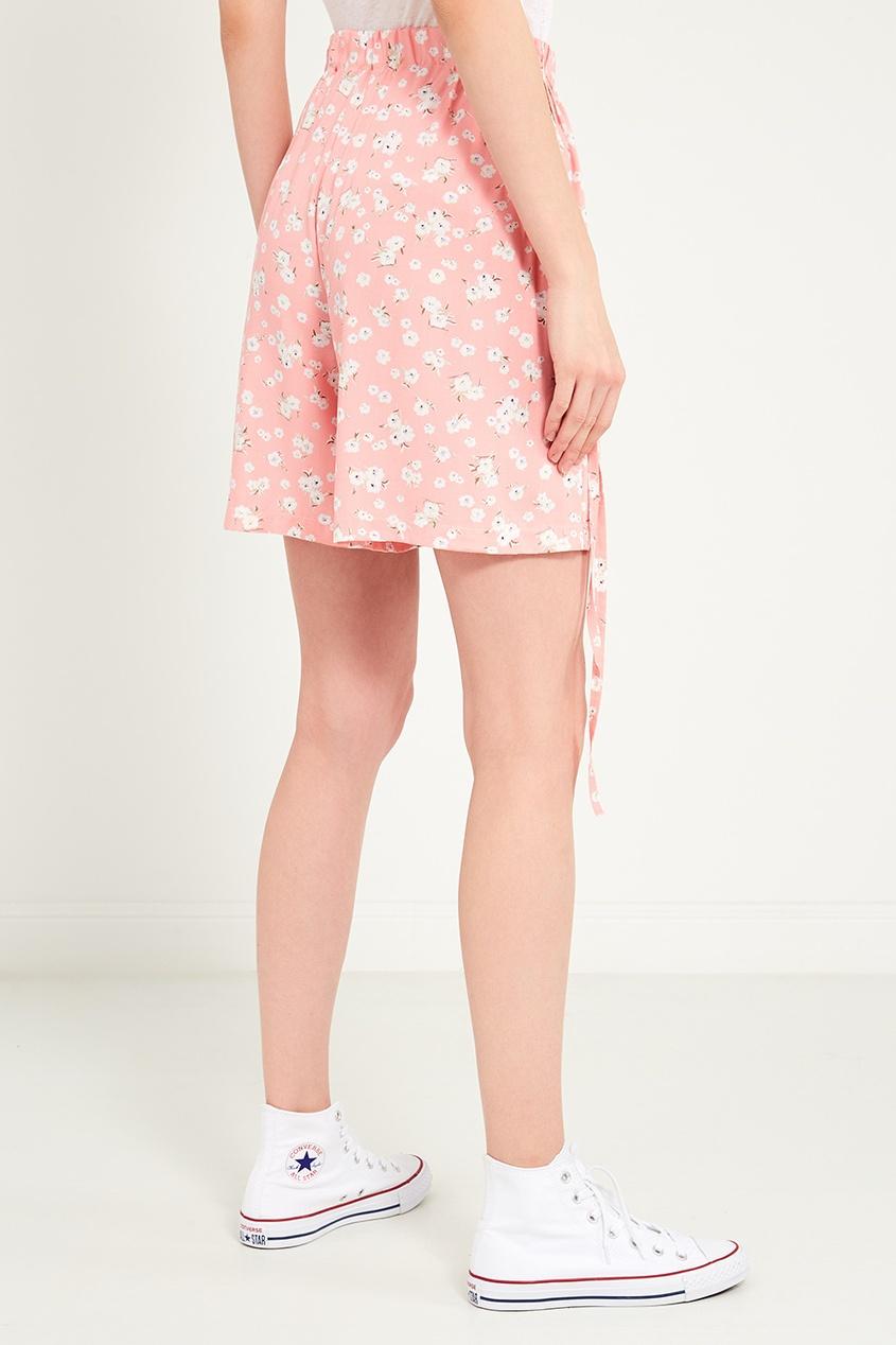 Фото 5 - Розовые шорты с цветами от BLANK.MOSCOW розового цвета
