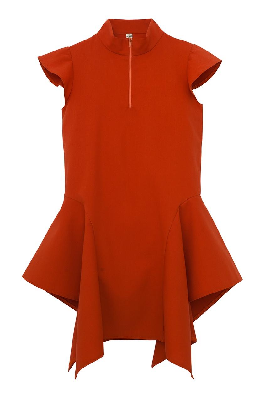 Красное платье с асимметричным подолом