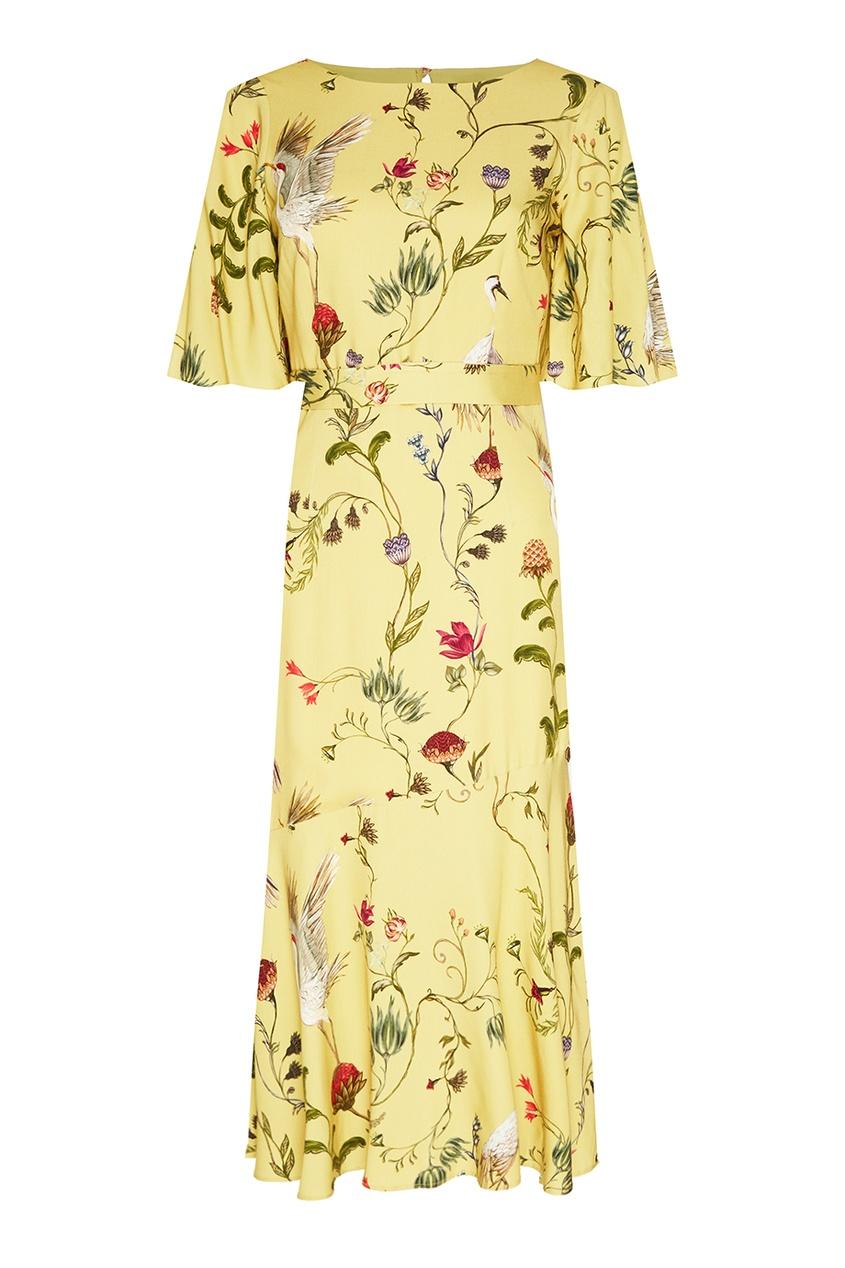 Желтое платье с принтом