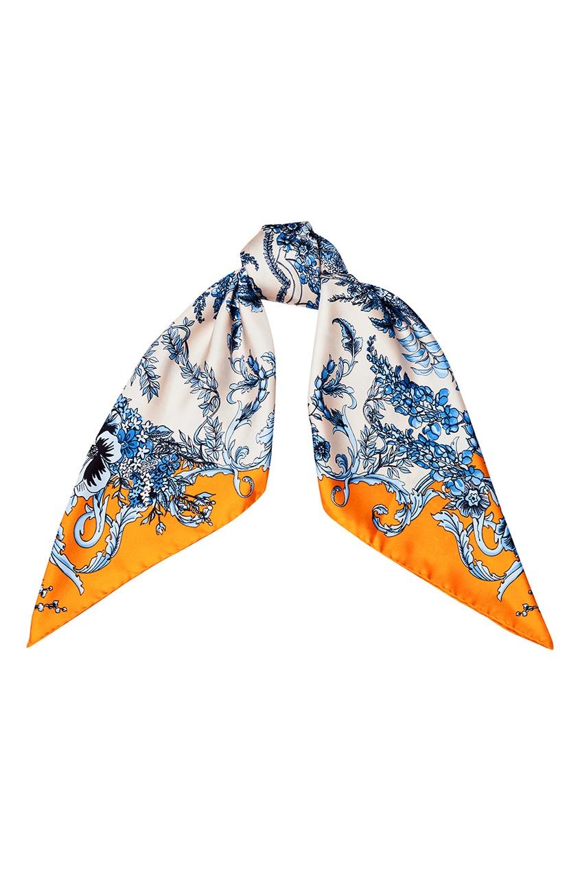 Платок из шелка с голубыми цветами