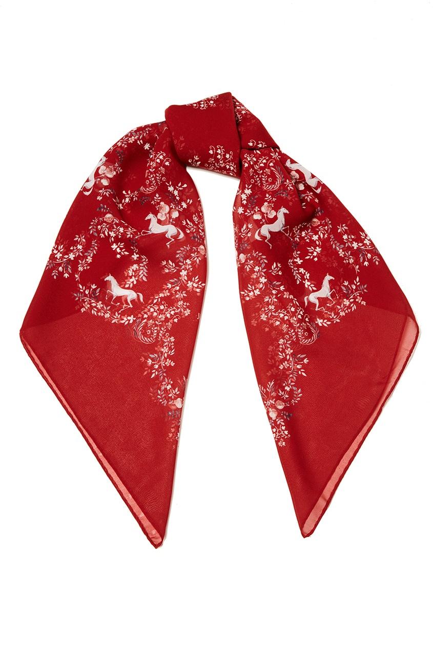 Красный платок из шелка с цветами
