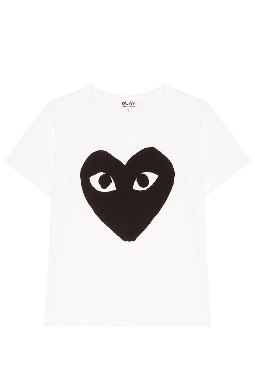 Белая футболка с черным сердцем