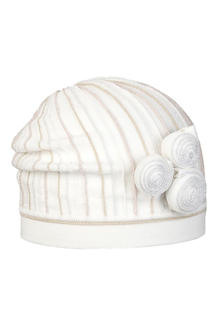 Белая шапка с объемной аппликацией от Jacote
