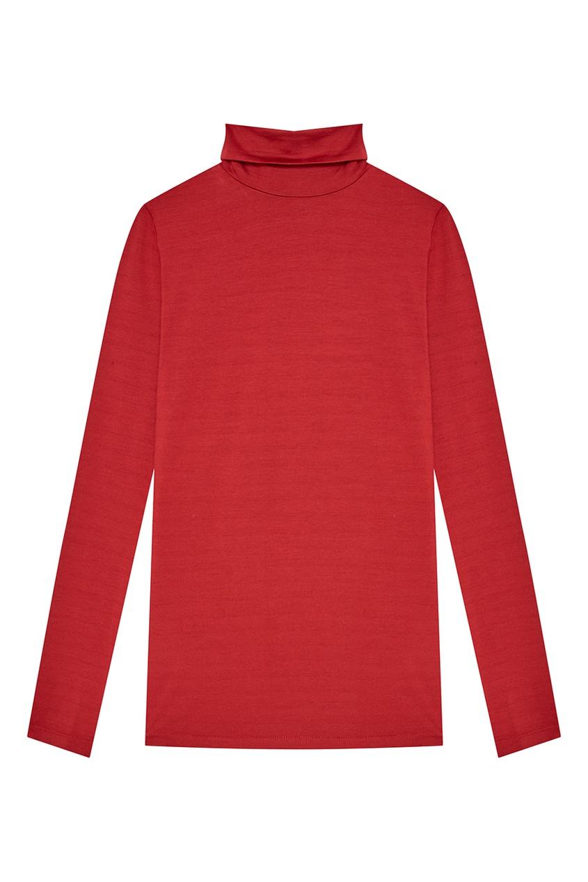 Красная трикотажная водолазка