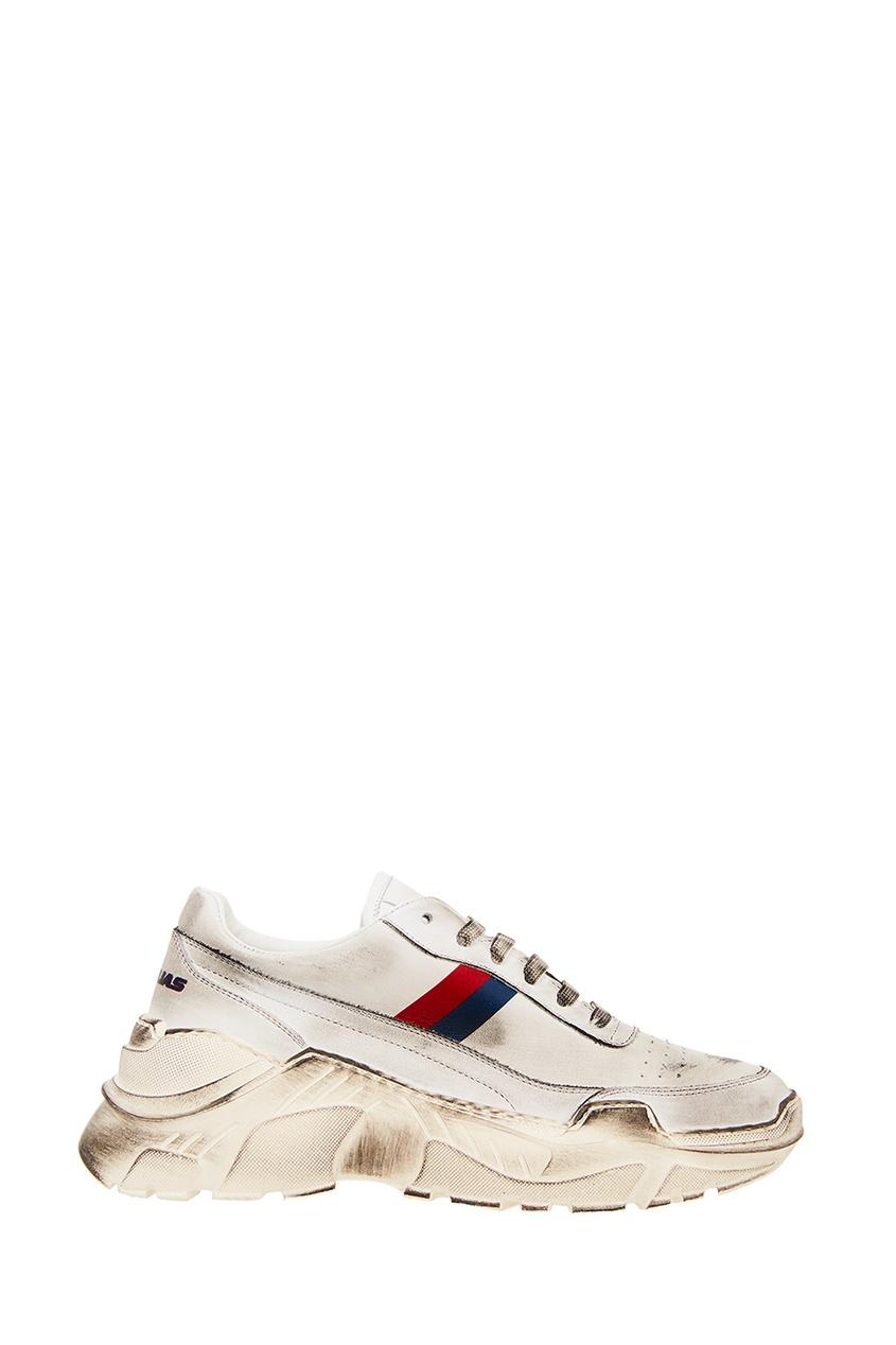 Купить со скидкой Белые кроссовки с отделкой