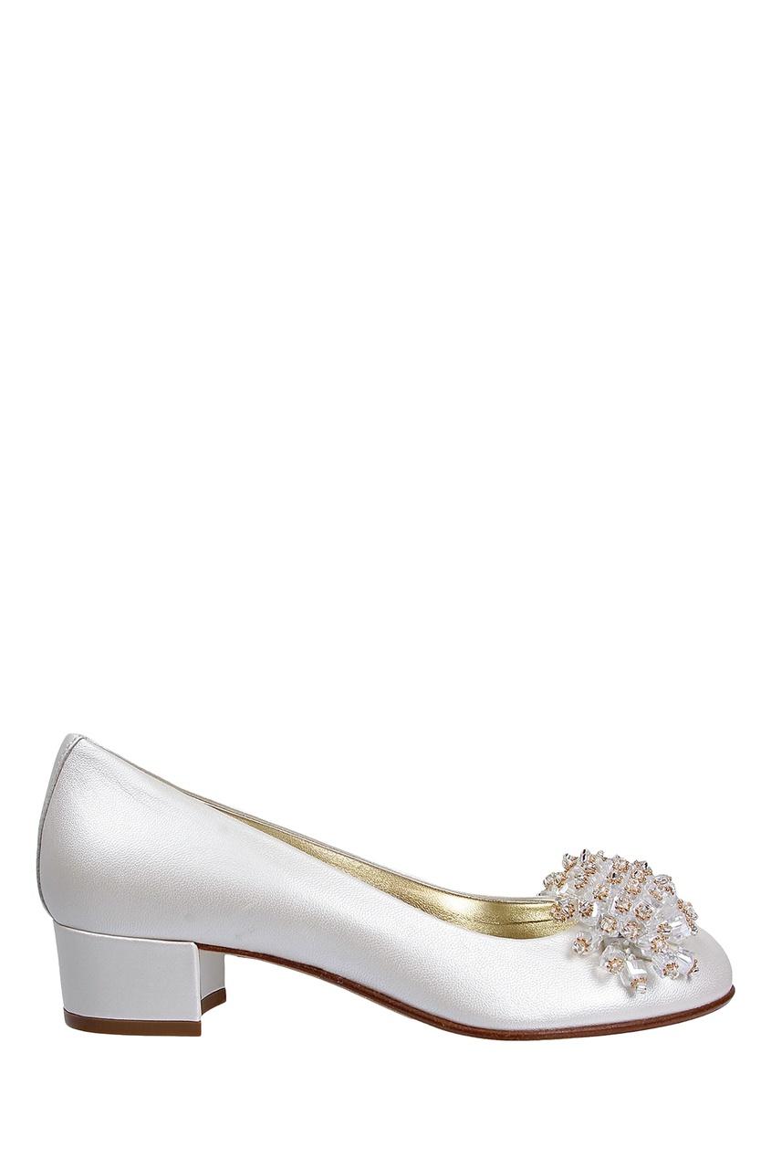 Белые туфли с бисером