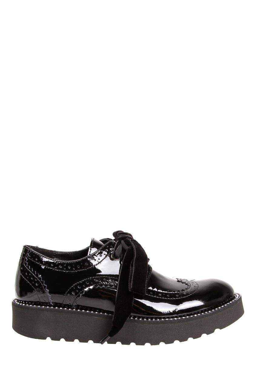 Черные лакированные ботинки с перфорацией