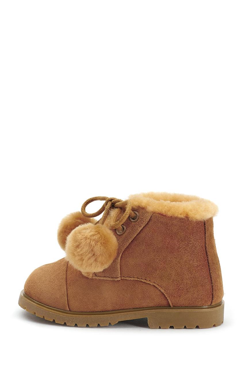 Коричневые ботинки из натуральной овчины ZOEY POMPON фото