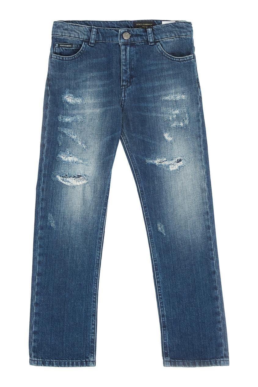 Голубые потертые джинсы