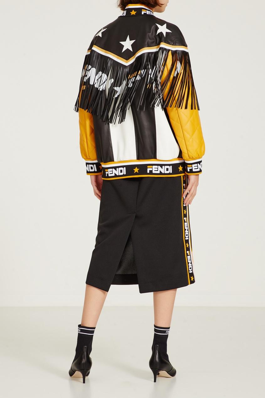 Фото 2 - Контрастная кожаная куртка с бахромой от Fendi цвет multicolor