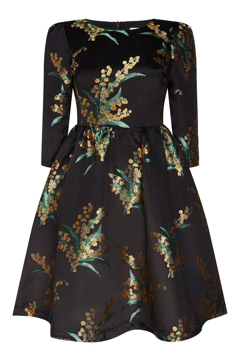 Черное платье с цветочным узором