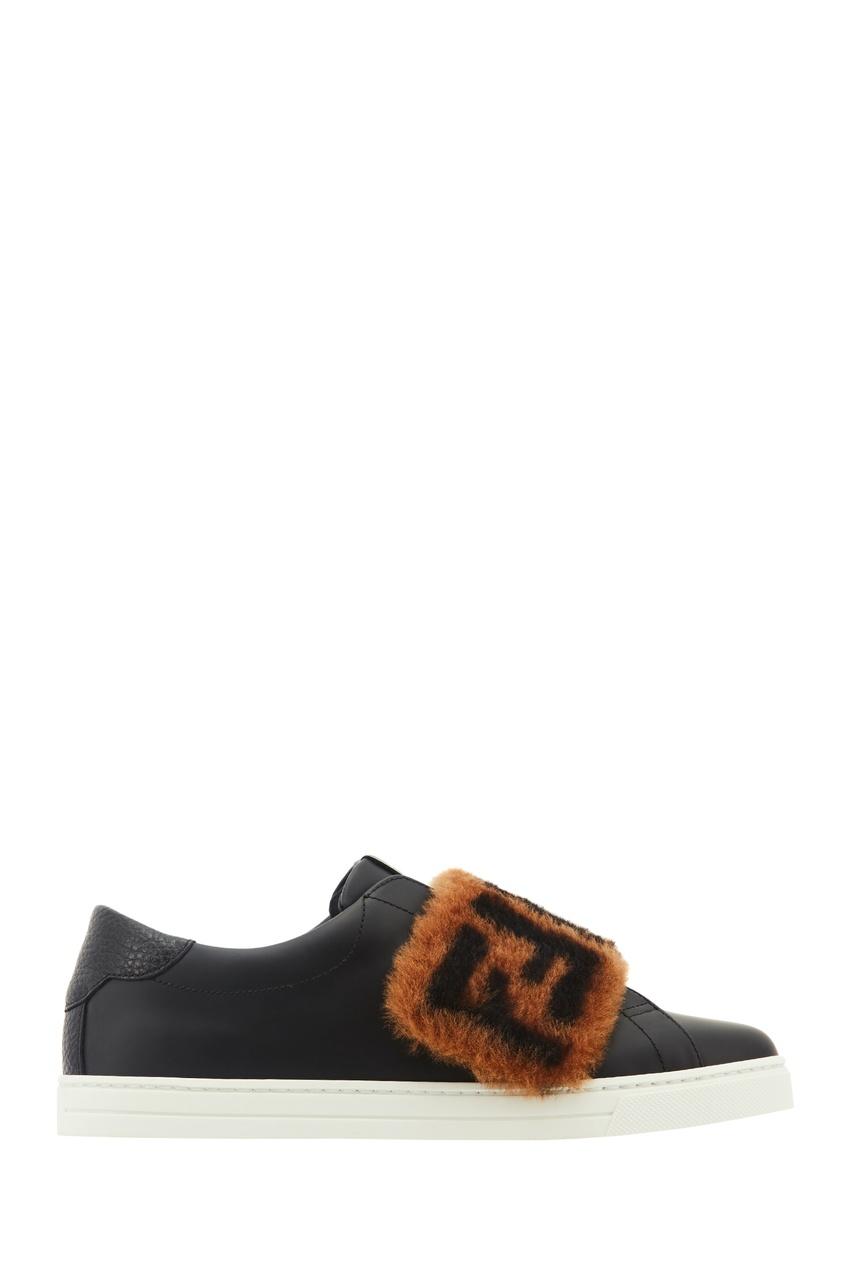 Фото - Черные кожаные слипоны с меховой отделкой от Fendi черного цвета