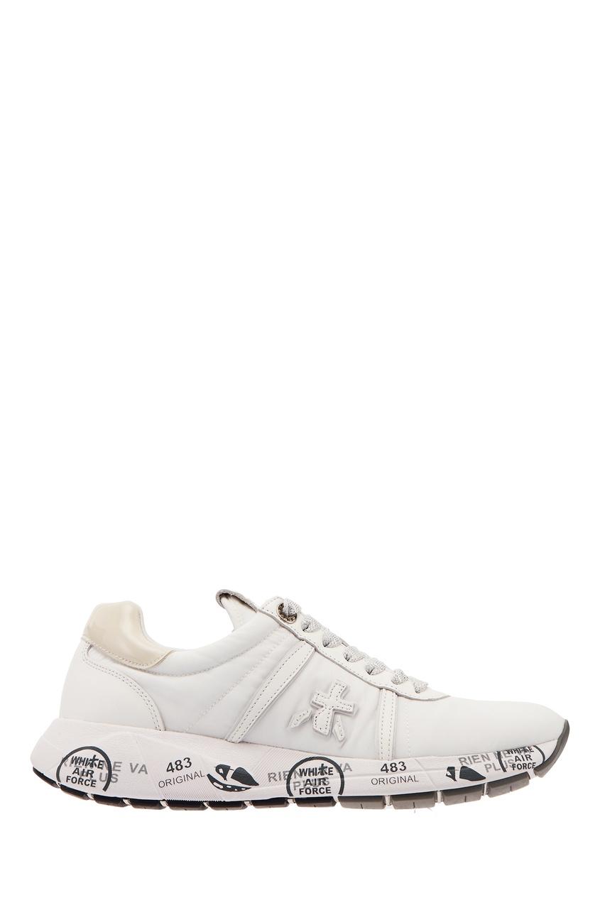 Купить со скидкой Белые кроссовки с серебристой шнуровкой