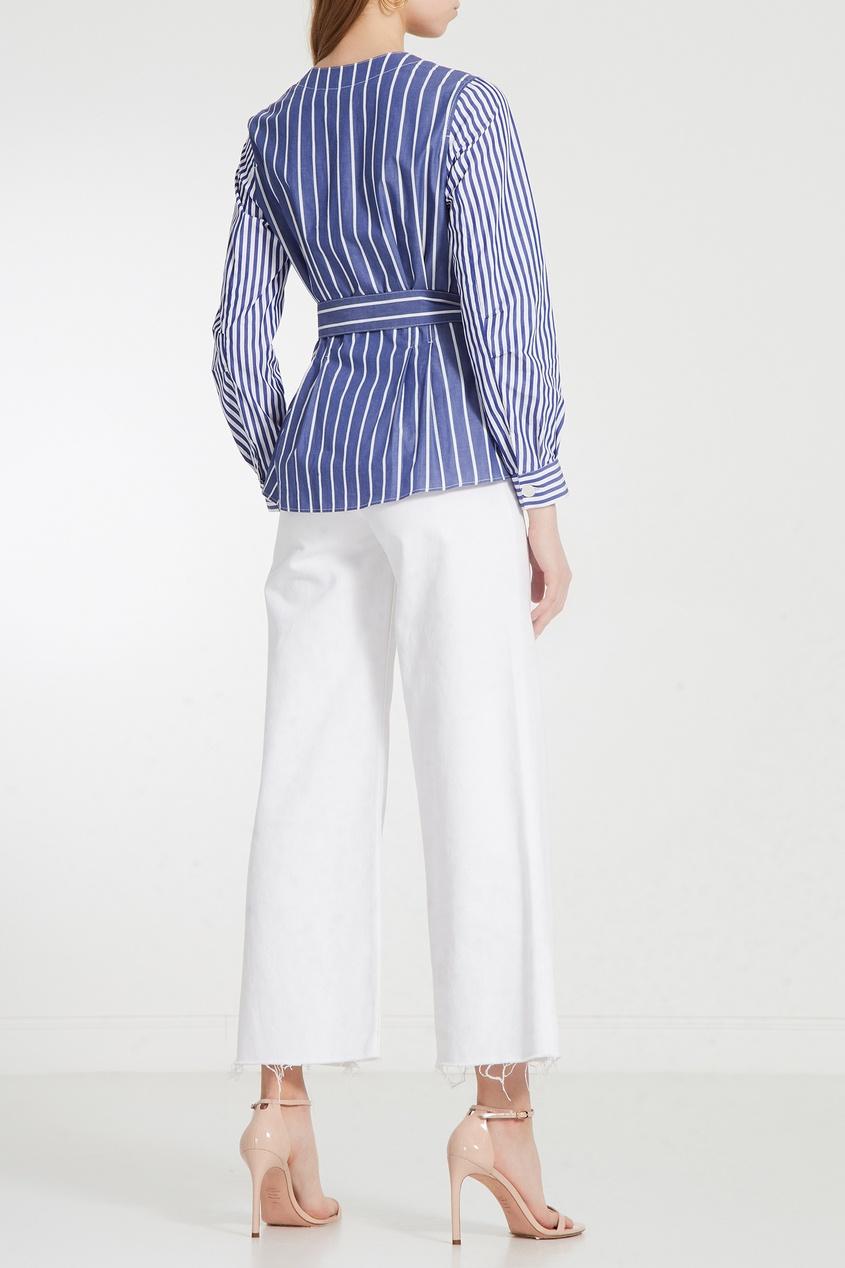 Фото 2 - Полосатая блуза из сирсакера синего цвета