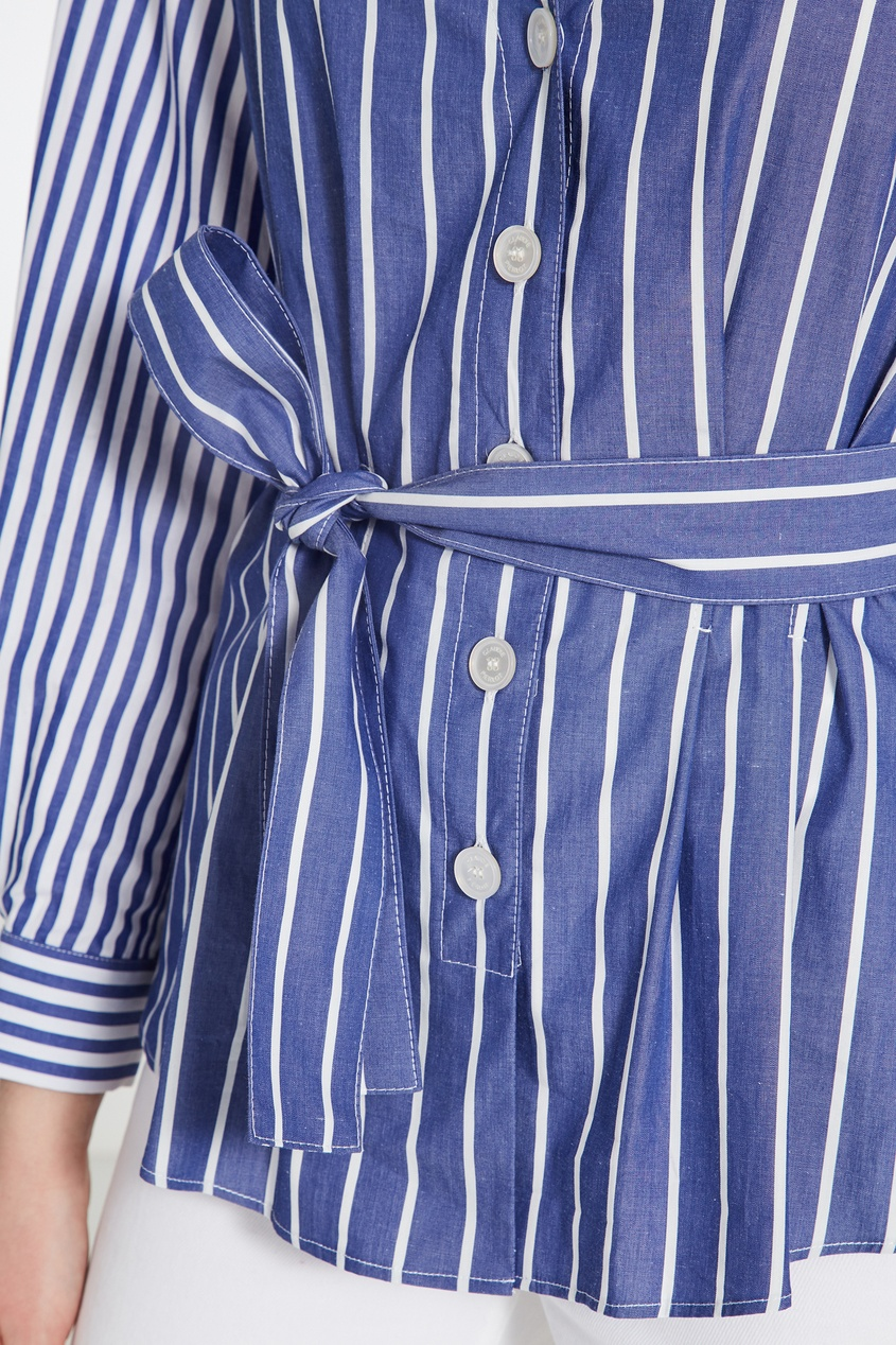 Фото 5 - Полосатая блуза из сирсакера синего цвета
