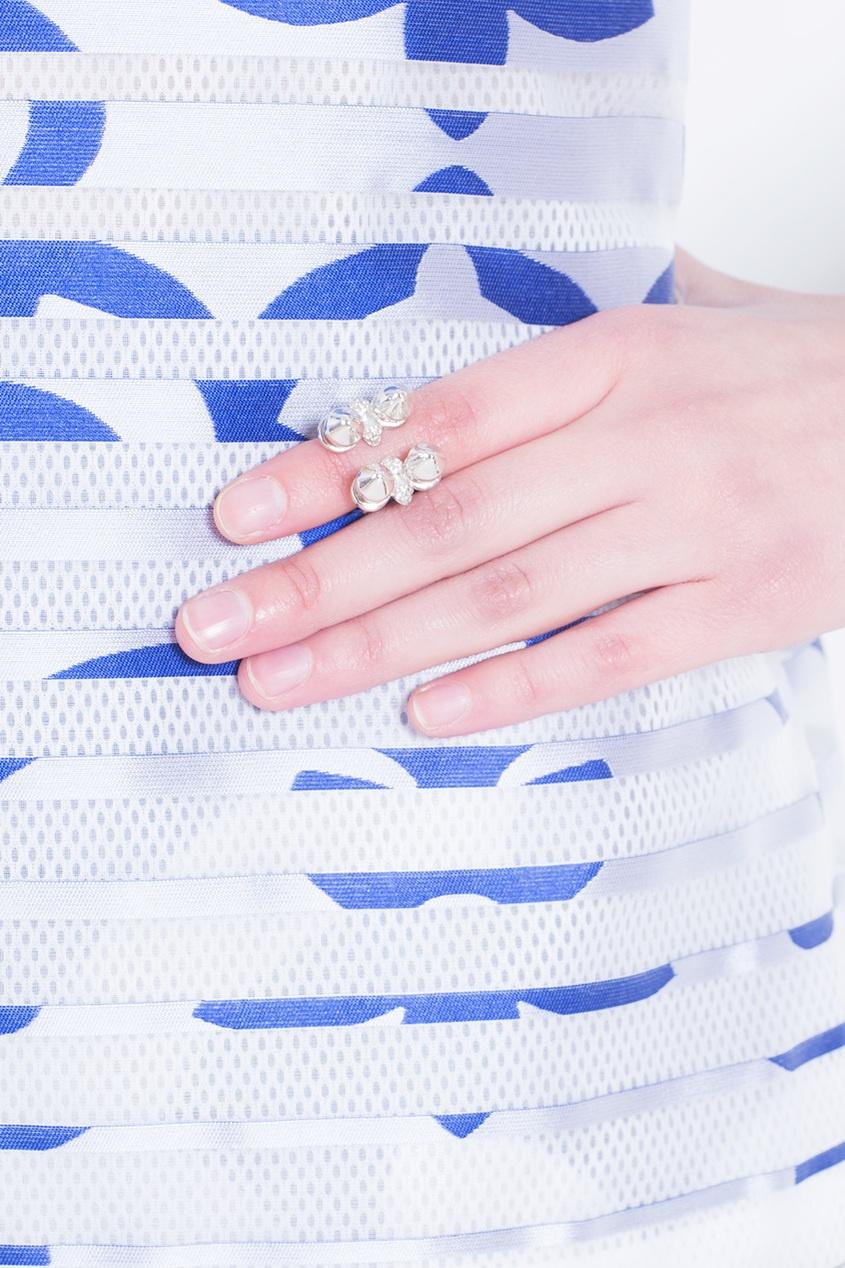 Серебряное кольцо от AIZEL