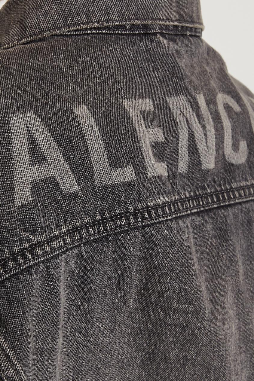 Фото 2 - Серая джинсовая куртка Logo от Balenciaga серого цвета