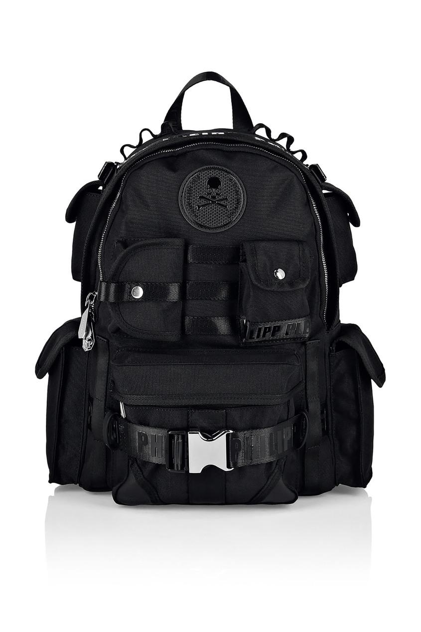 Купить со скидкой Черный рюкзак с нашивкой