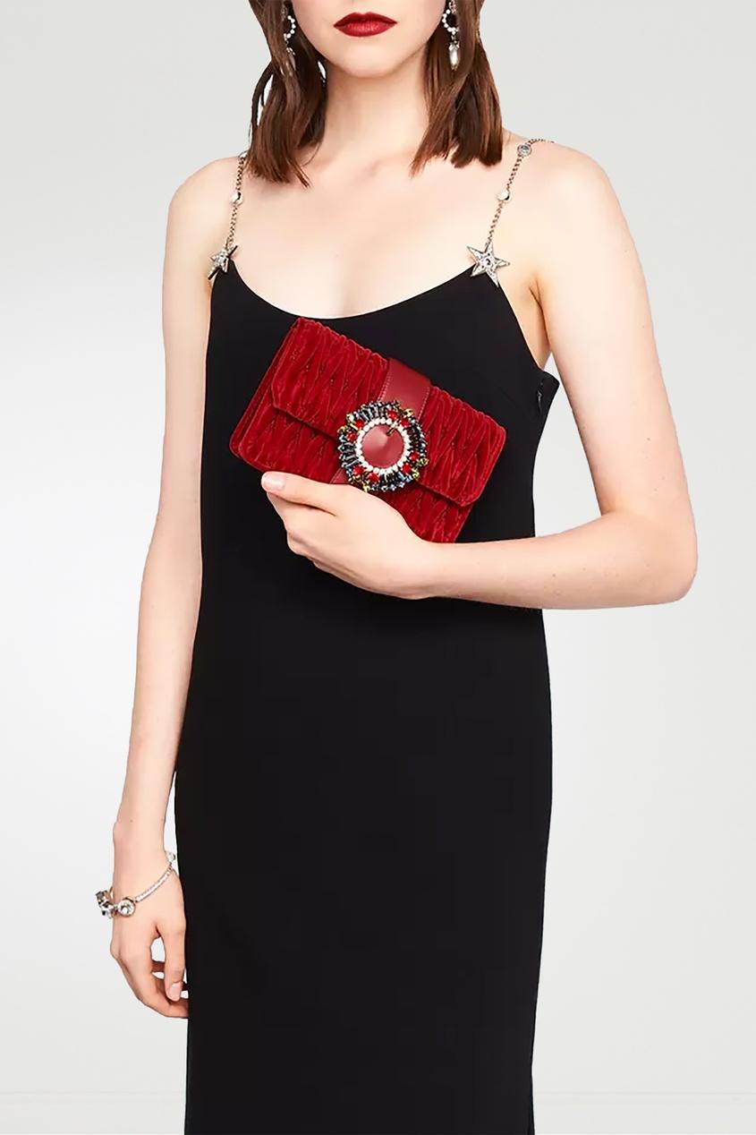 Красная бархатная сумка с цветными кристаллами от Miu Miu