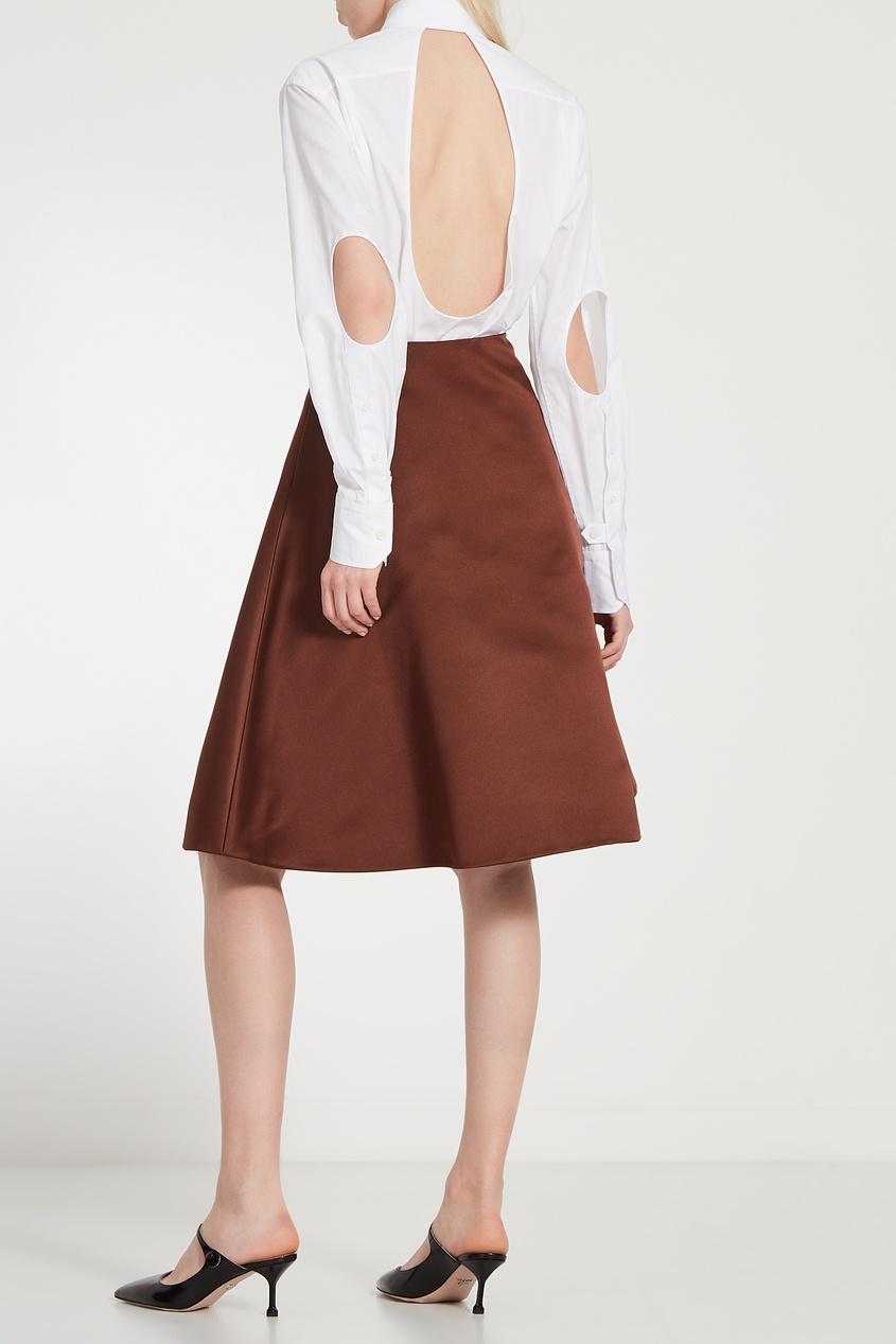 Фото 2 - Рубашку с вырезами на спине и локтях от Prada белого цвета