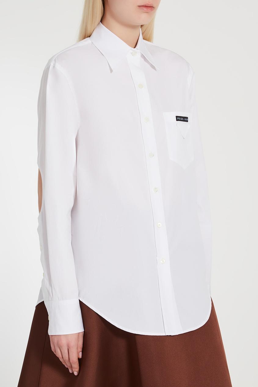 Фото 3 - Рубашку с вырезами на спине и локтях от Prada белого цвета