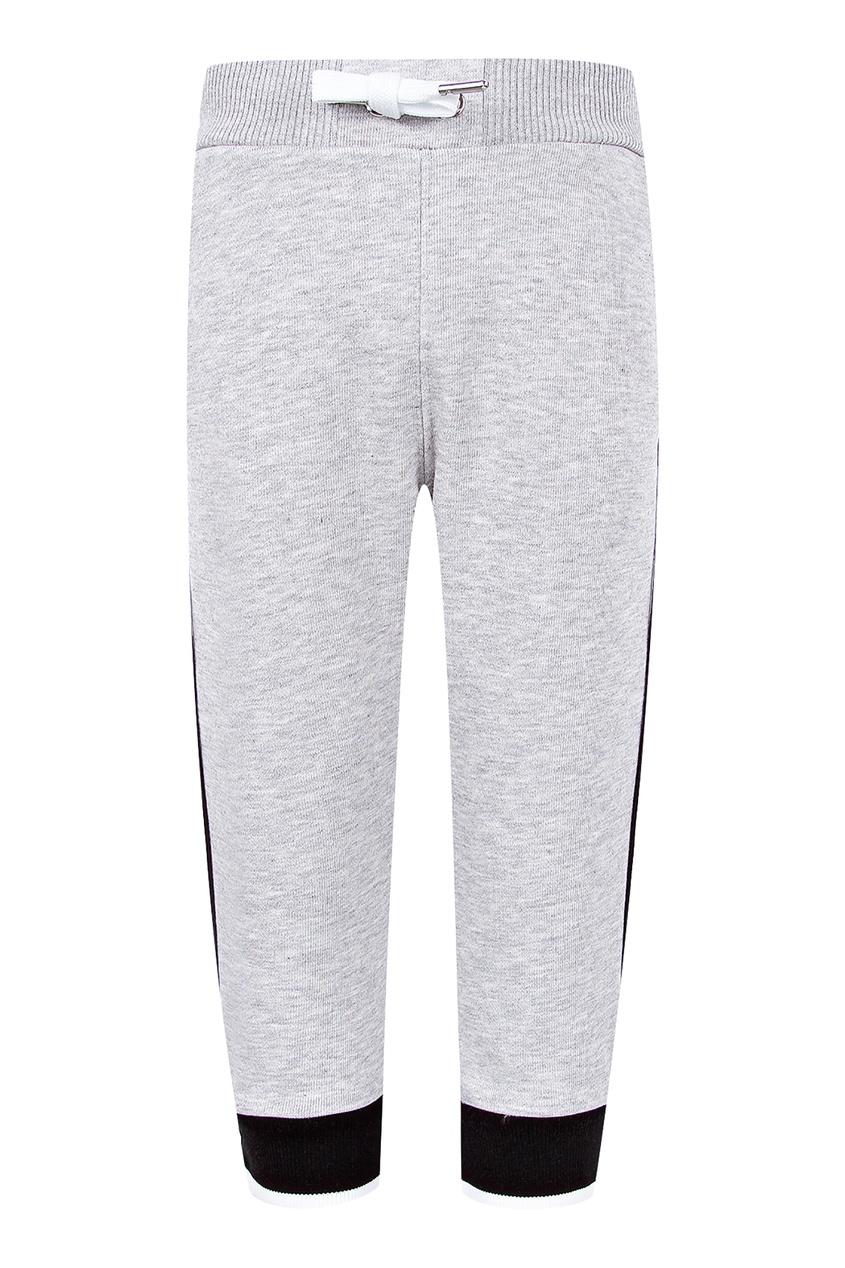 Купить Спортивные серые брюки серого цвета