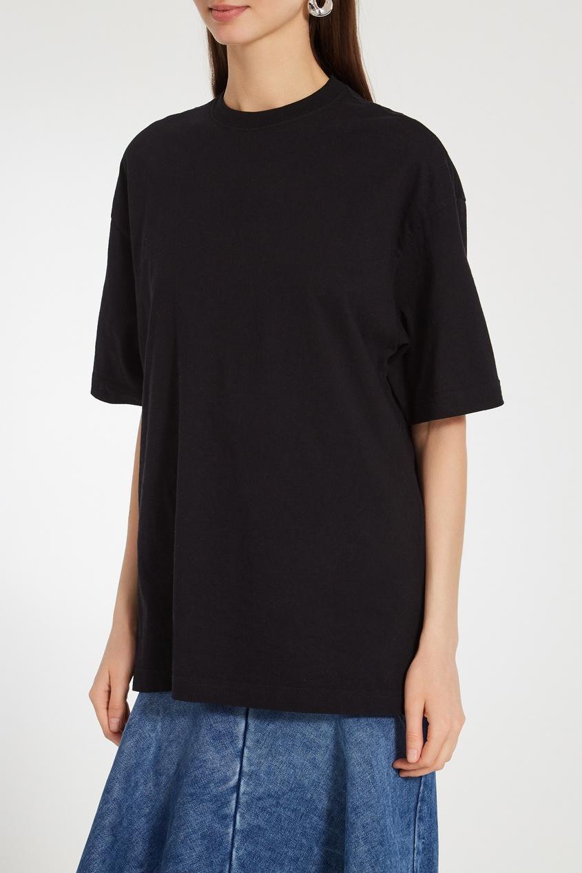 Фото 3 - Однотонная черная футболка оверсайз от Balenciaga черного цвета