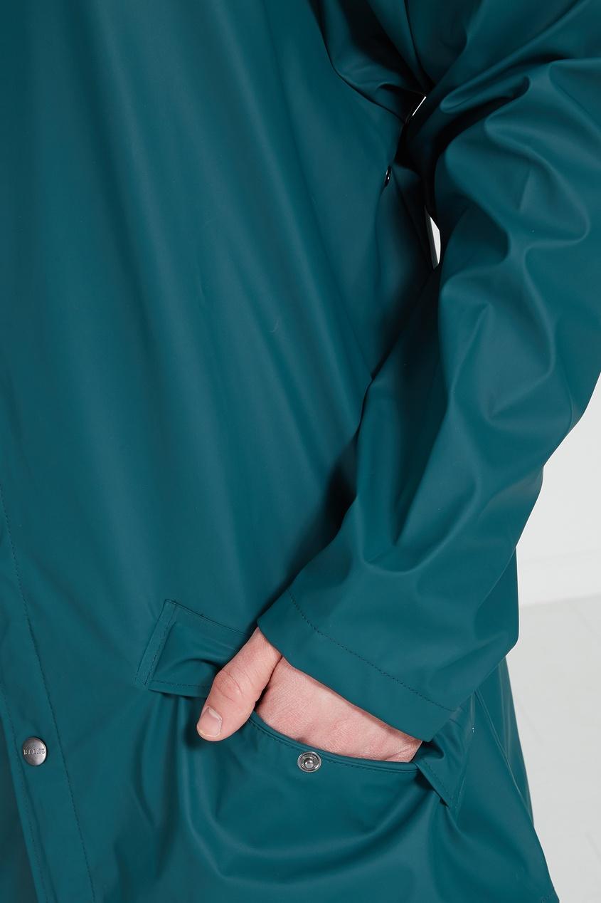 Фото 2 - Зеленый плащ зеленого цвета