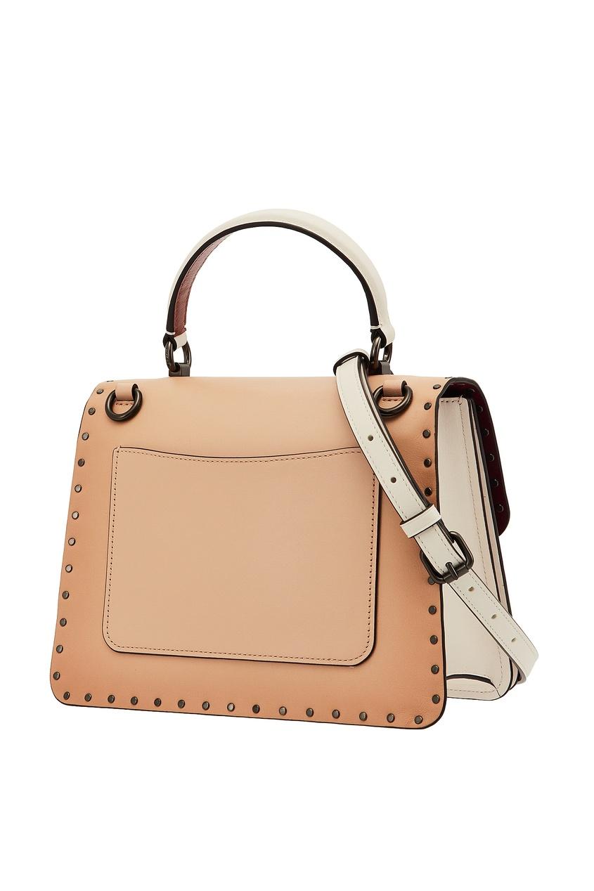 Фото 4 - Комбинированная сумка с декором Parker от Coach бежевого цвета