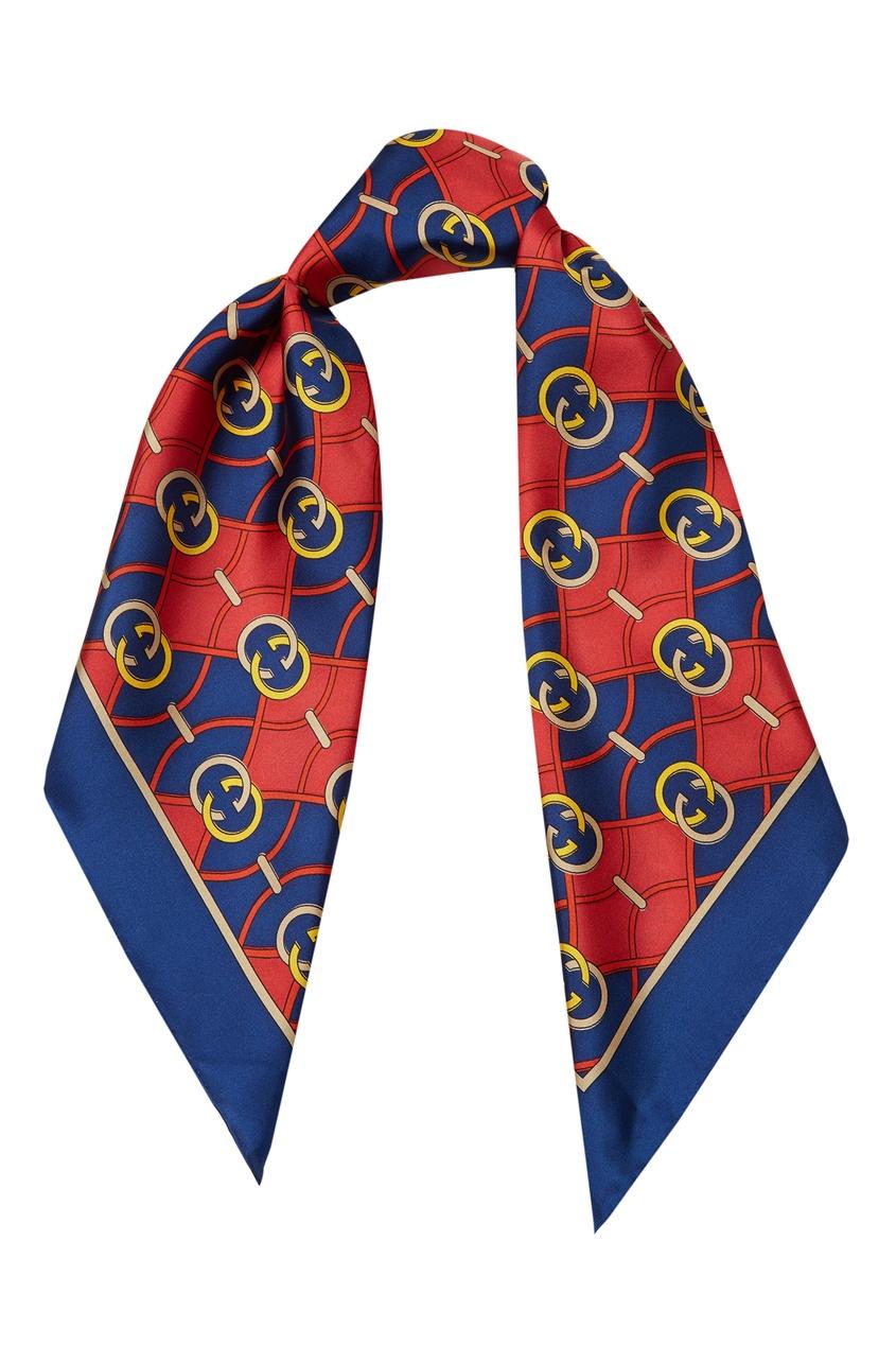 Фото - Красно-синий шелковый платок GG от Gucci синего цвета