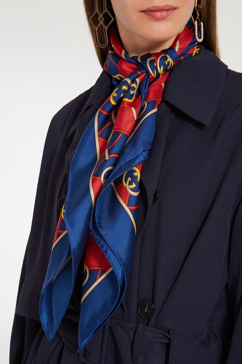 Фото 2 - Красно-синий шелковый платок GG от Gucci синего цвета