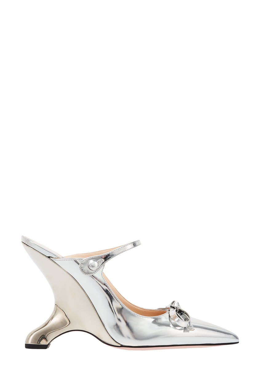 Фото - Зеркальные слингбэки с фигурным каблуком от Prada серебрянного цвета