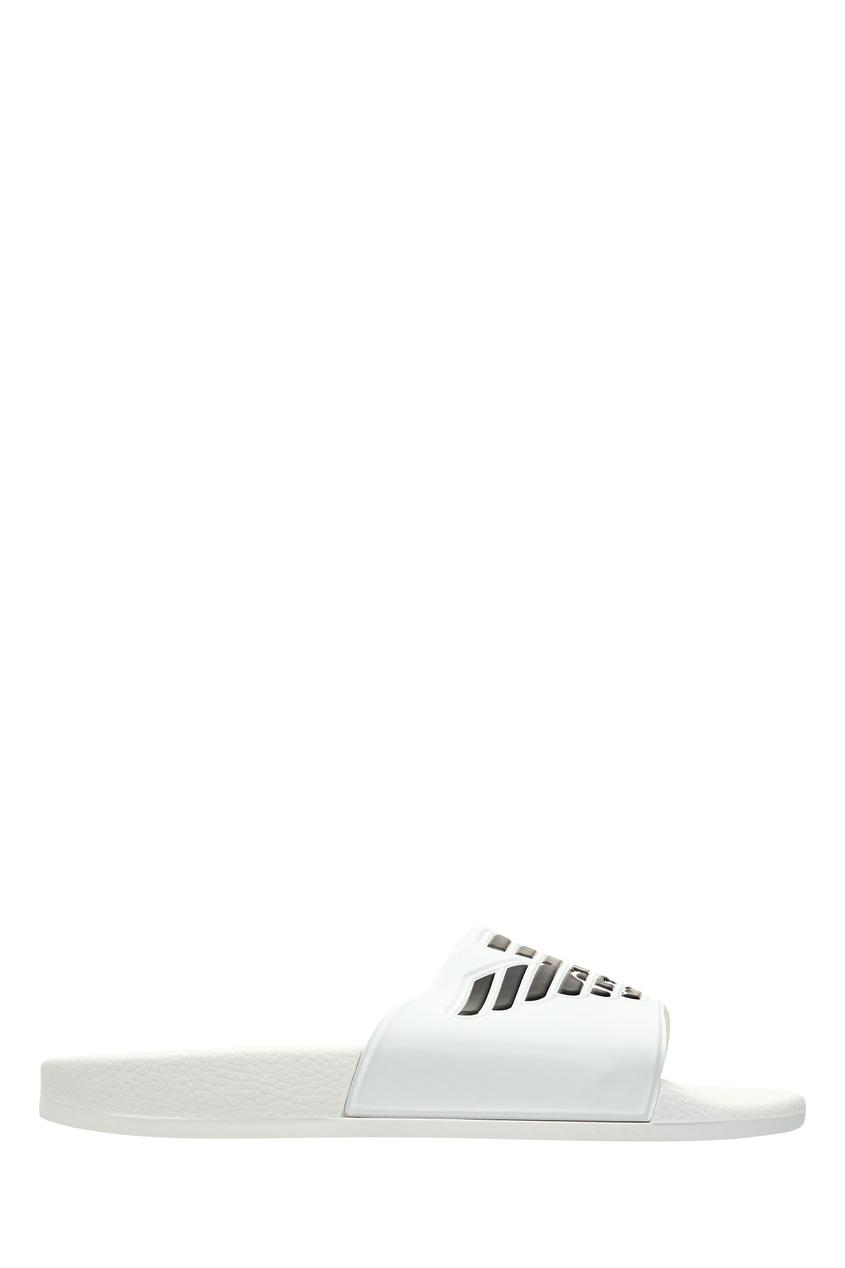 Белые пляжные шлепки