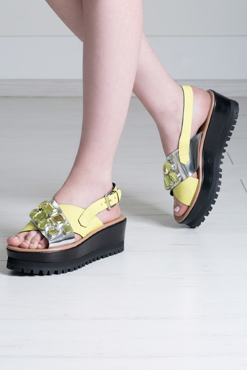 Кожаные сандалии на платформе