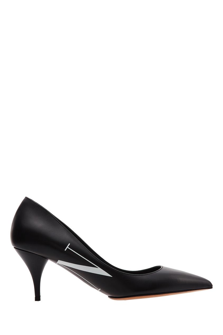 Купить Черные туфли Valentino Garavani VLTN черного цвета