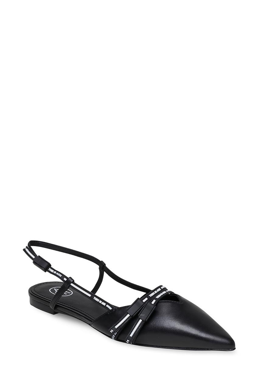 Фото 4 - Черные кожаные туфли на низком каблуке цвет multicolor