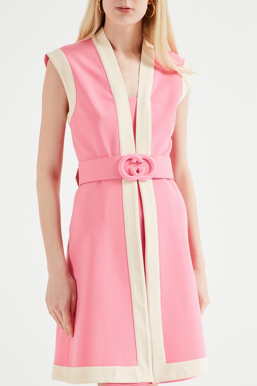 Фото 4 - Розовое платье с бежевой отделкой от Gucci бежевого цвета